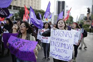 Grupos religiosos vs aborto, amenazan a activistas en Veracruz