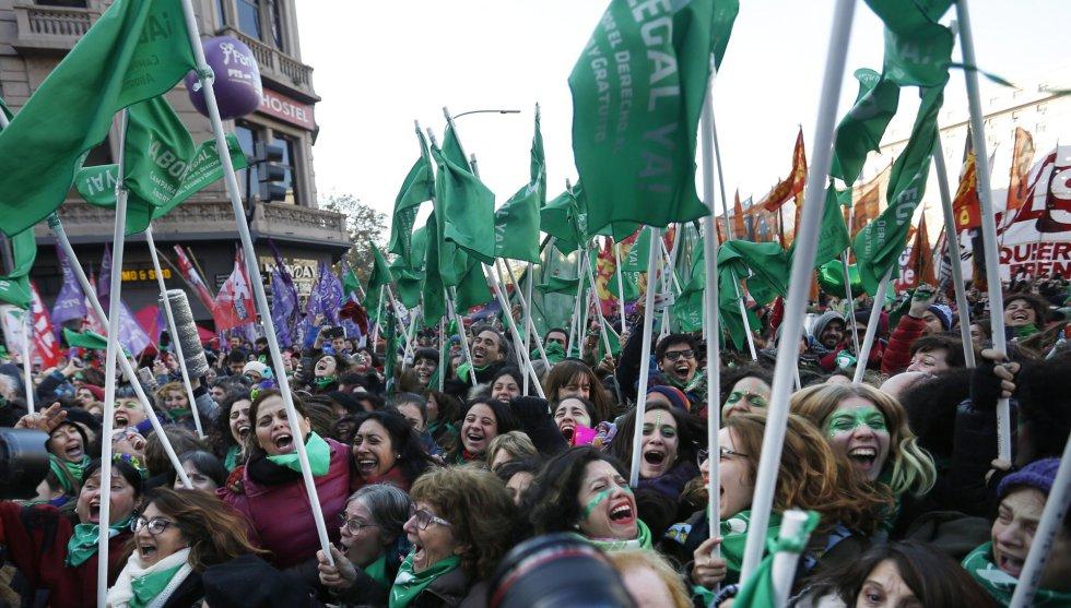 Diputados argentinos aprueban legalización del aborto
