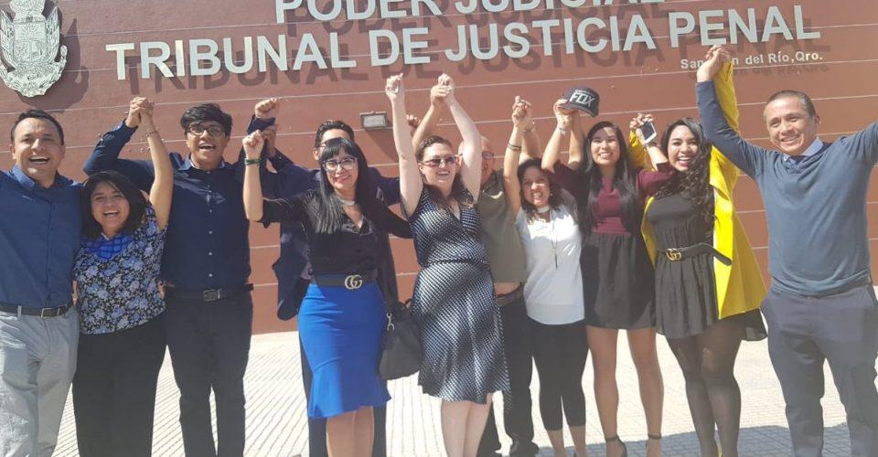 Liberan a Dafne, joven acusada de homicidio por un parto accidental en Querétaro