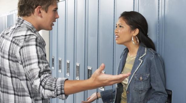 Mi ex me presionó para tener relaciones, decía que «me quería amarrar»